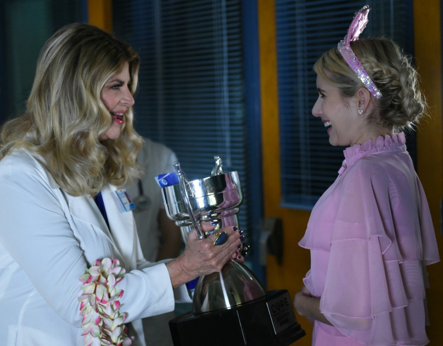 kirstie-alley-emma-roberts-scream-queens-chanel